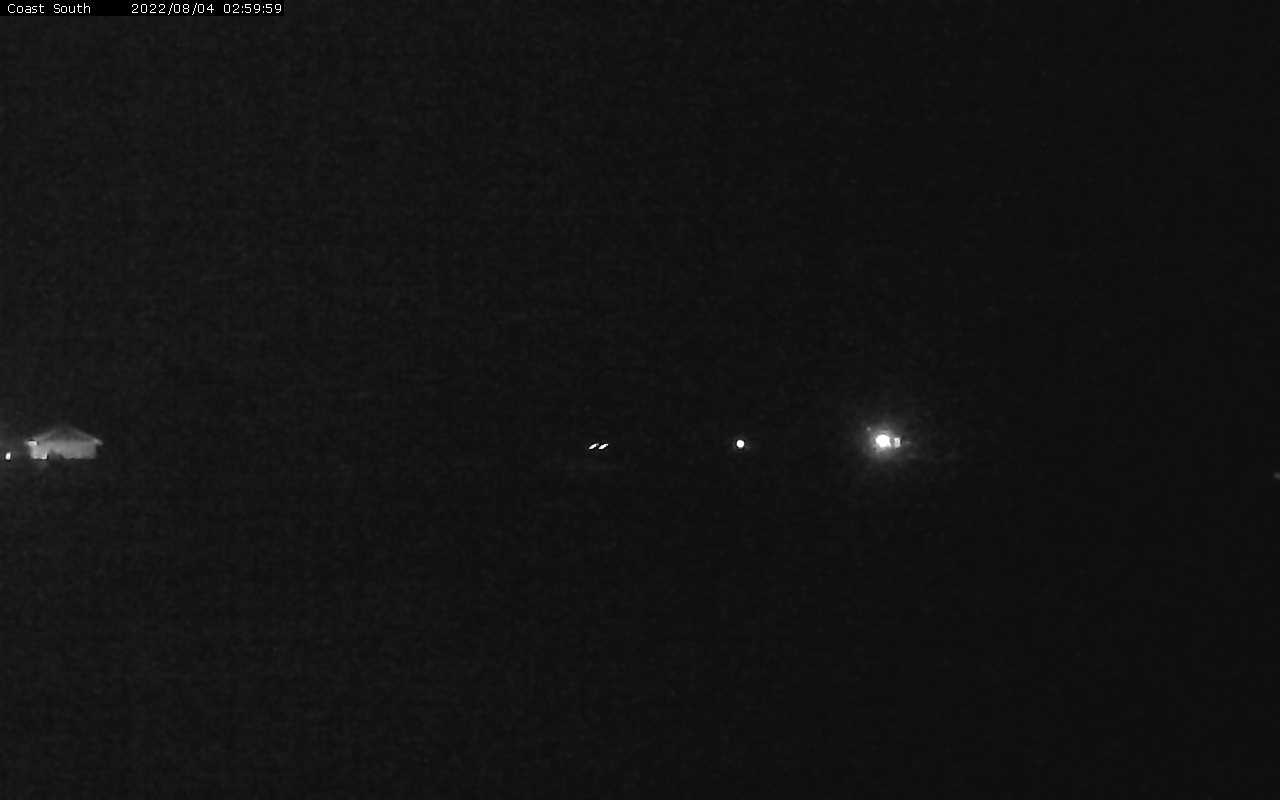 Live Webcam - Southwest coastal view of Shelter Cove, including northwest end of airport runway, from Inn of the Lost Coast Shelter Cove, California.  Southwest Webcam lostcoastinn03HD000M